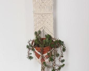 Boho holder plants, Macrame hanging planter, Wall hanging, Macrame plant hanger, Off white macrame holder,Bone white Planthanger,Modern boho
