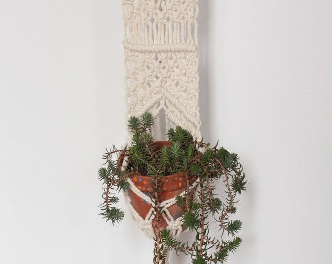Macrame hanging planter, Wall hanging , Macrame plant hanger, Off white macrame pot holder, Jungalow, Bone white Planthanger, Modern boho
