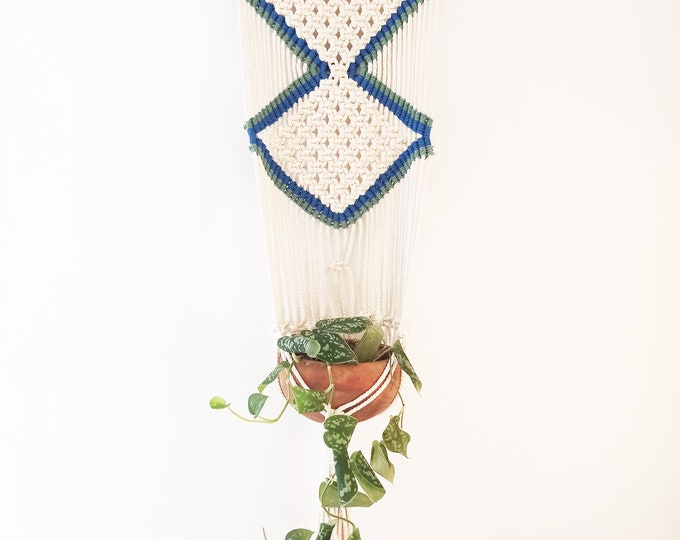Macramé wall hanging white, blue and green, Rope wall hanging, Plant wall hanging, Boho wall holder plant, Macrame wall hanging planter