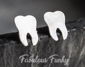 Toothed stud Earrings