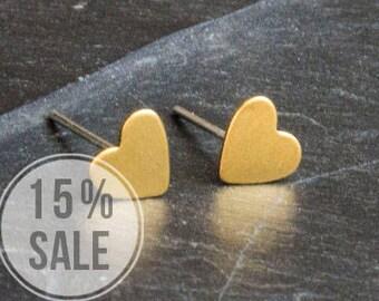 Noble Heart Stud Earrings