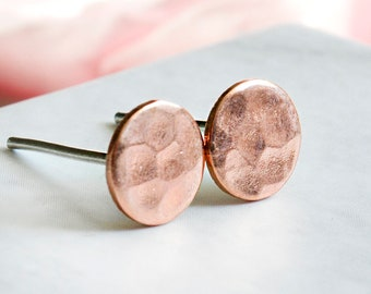 Hammered circle stud earrings 0.7 cm - rose gold - circle - mini - stainless steel or 925 sterling silver