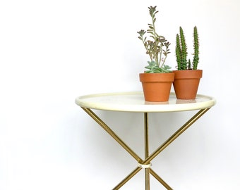 Vintage Table | Round, Metal Side/End Table | Indoor/Outdoor Plant Stand | Mid Century Home Decor