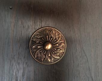 Clavos, Ornate Leaf Door Stud. Cast Zinc with Bronze Finish.