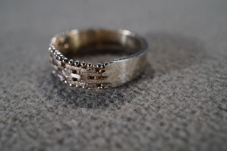 Vintage Art Deco Style Sterling Silver Bib Style Scrolled Band Stackable Ring Size 7 Jewelry