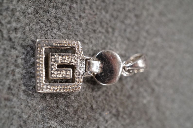 Vintage Art Deco Style Sterling Silver Genuine Opal Greek Key Design Etched Oval Pendant Jewelry    K#64