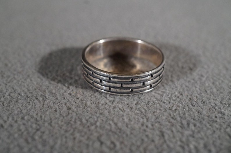 Size 10 **RL Vintage Sterling silver Fancy Detailed Ribbed Etched Design Eternity Style Wedding Band Stacker Design Band Ring