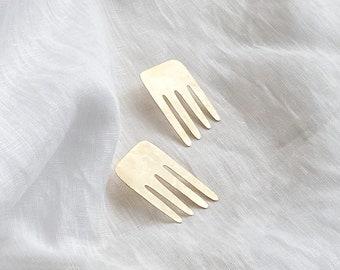 Flow : Hammered Brass Stud Earrings - Earrings Brass Studs - Studs Brass Shapes - Organic Shapes Brass Studs - Unique Brass Jewelry Gifts