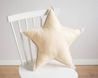 Star pillow - pastel yellow