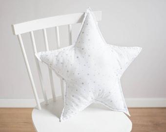 Star pillow - white