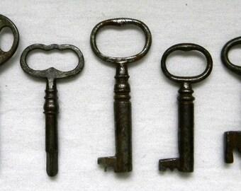 0c83cdc7d 5 Vintage Skeleton / Steamer Trunk Keys - Victorian Skeleton Keys - Altered  Art - Mixed Media - Jewelry Supply