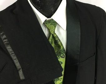 Men/'s Black Contour Tuxedo Jacket with Satin Lapels Halloween Costume Bond Spy