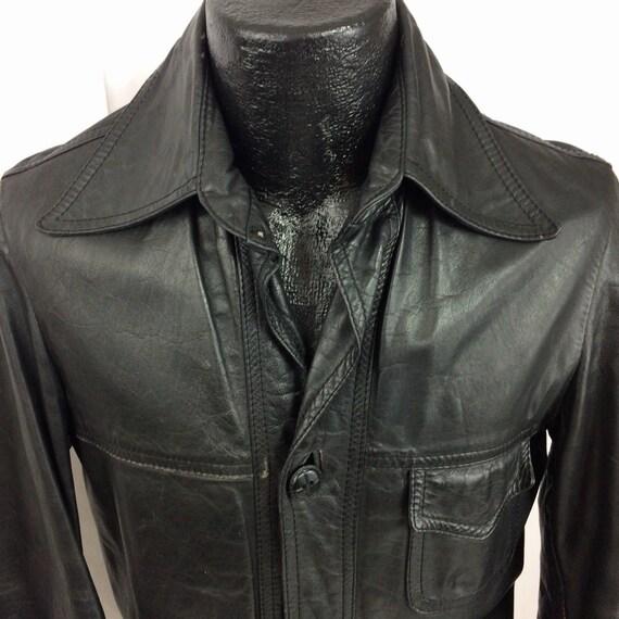Vintage 70er Jahre Herren schwarz DISTRESSED Leder Motorrad Shirt Biker Mantel zuknöpfen MoTo Straße Reiten Jacke S