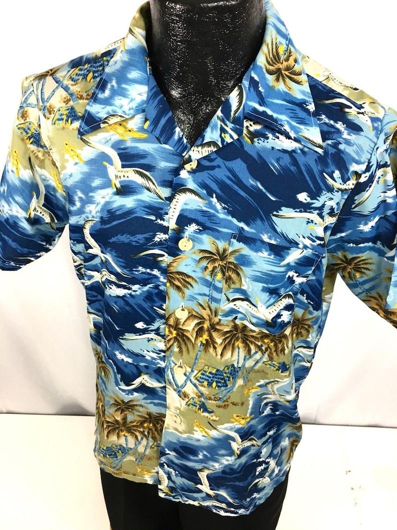 mj Vintage 60-70/'s Men/'s SOARING SEAGULLS Birds Blue Wave Hawaiian ALOHA Camp Shirt L