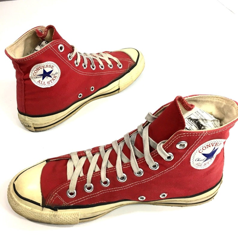 6a4c338ea030 Vintage CONVERSE All Star Chuck Taylor Men RED High Top Shoes