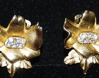 signed richelieu earrings