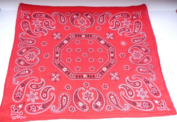 Turkey Red Paisley Trunk Up Fast Color Bandana