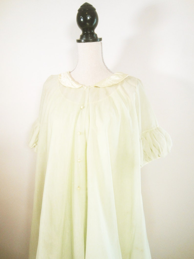 Pastel Lime Two Piece Ruffle Sleeve Babydoll Nightgown Peignoir Set