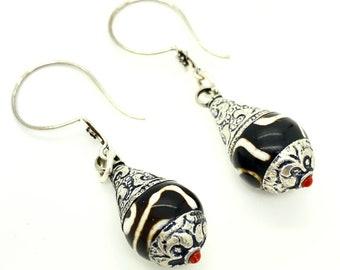 Tibetan Dzi Bead Earrings, Eye of Heaven Beaded Jewelry, Tribal Style Nepali Amulet Earrings, Spiritual Hand Batik Etched Agate