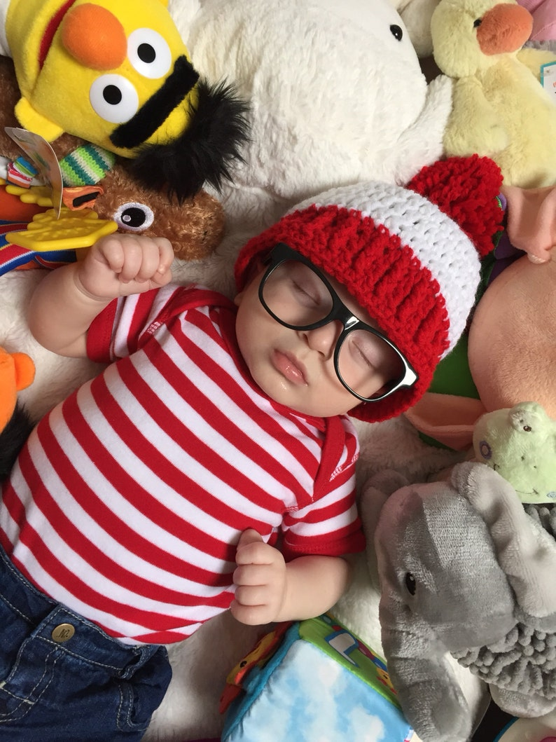 Red and White Hat with Red Pom Pom  Halloween Costume  image 0