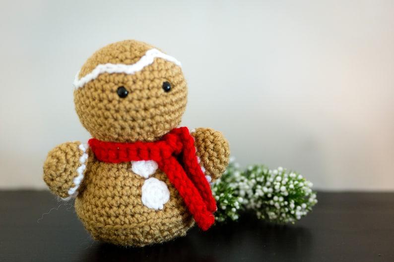 Gingerbread Man Decor  Christmas Mantle Decorations  image 0