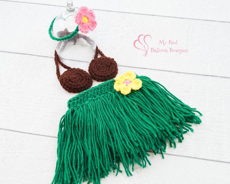 Newborn Hula Skirt with Coconut Bra and Flower Headband  Baby image 0