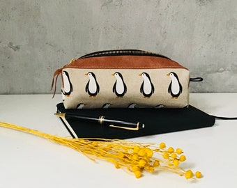 HAPPY PENGUIN pencil-case, cosmeticbag made of cotton and leather
