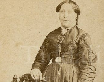 CDV Photo Victorian Standing Woman Dark Dress Portrait By A L Henderson Of London England
