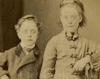 CDV Carte de Visite Photo Victorian Children Brother and Sister Boy Girl, Smart Outfits Portrait - W V Amey Landport Hampshire - Antique