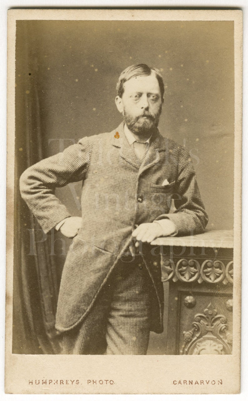 CDV Carte De Visite Photo Victorian Handsome Bearded Man Hand