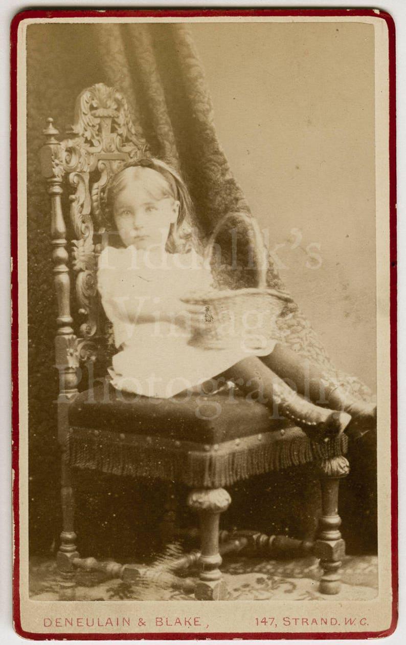 CDV Carte De Visite Photo Victorian Young Pretty Little Girl