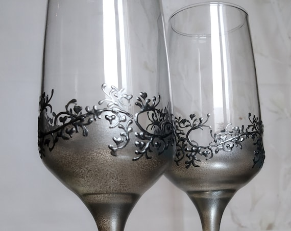 Set of 2 hand painted champagne flutes Lace Gatsby style in silver
