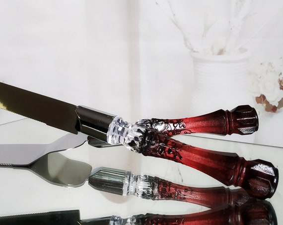 Red black Gatsby style cake server and knife