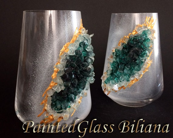 Emerald green geode stemless wine glasses