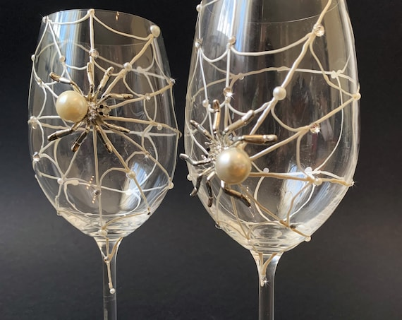 Spider wine glasses, Halloween wedding theme