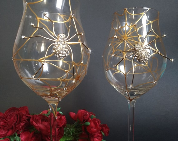 Gold spider wine glasses, Halloween wedding theme
