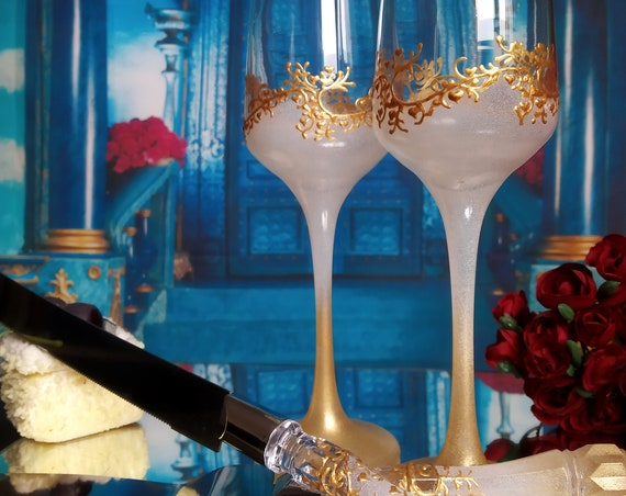 Set of 2 hand painted wedding flutes champagne glasses Classic white and gold Cake serving set