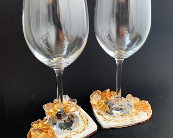 Geode heart anniversary wine glasses in gold