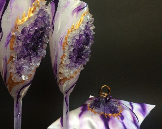 Amethyst marble geode wedding set ring pillow and wedding champagne flutes