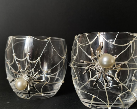 Spider whiskey glasses, Halloween wedding theme