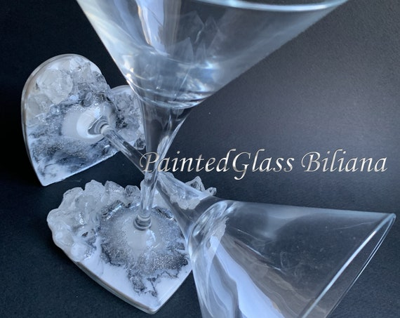 Geode heart anniversary martini glasses in white and silver color