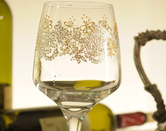 Free shipping Sale -15% Set of 6 hand painted wine glasses Lace in pearly white and gold color