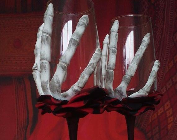 Set of 2 hand painted decorated Wedding Glasses champagne flutes Black and red Rose Skeleton Halloween wedding favor Cake serving set