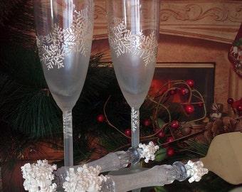 Wedding Glasses Winter Champagne Flutes Hand Painted Set of 2 White Snowflake wedding theme
