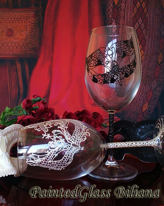 Toasting wine glasses Set of 2 Lace domino Masquerade mask in Black and White