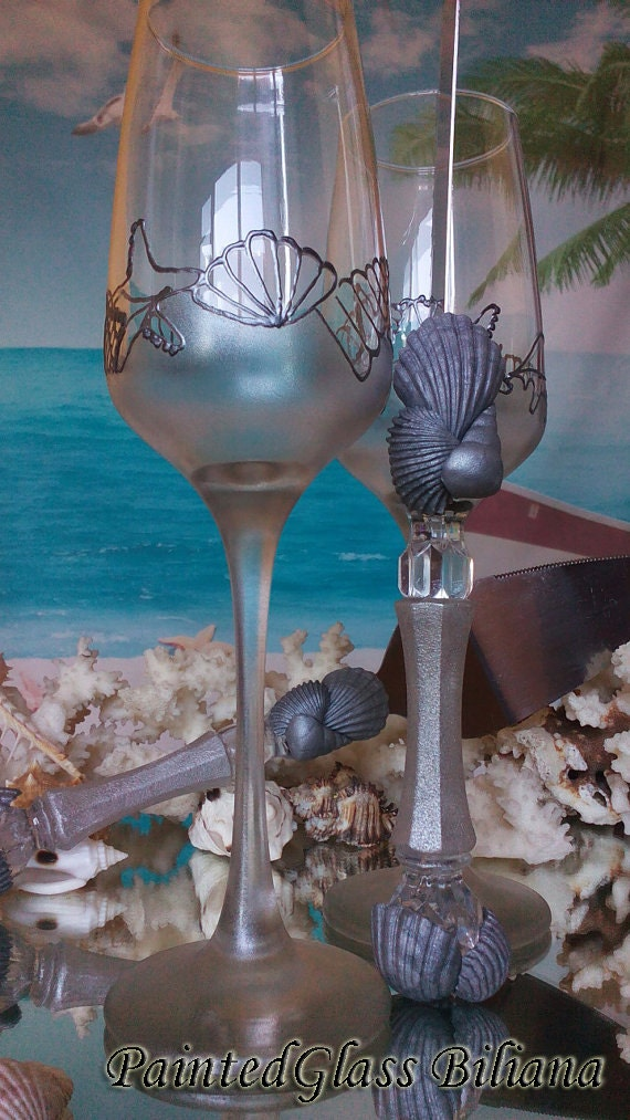 Beach Sea wedding Set of 2 hand painted champagne flutes in silver Shells Cake serving set silver color