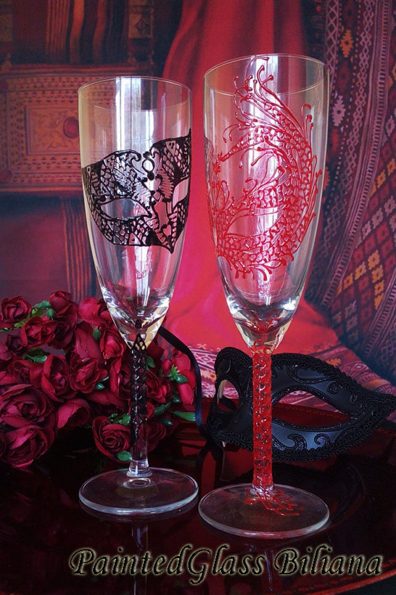 Wedding Glasses Champagne Flutes Set of 2 Lace domino Masquerade mask in Black and Red color Mask Cake serving set
