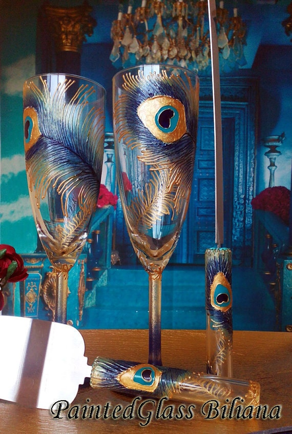 Wedding Glasses Peacock feather Champagne Flutes Hand Painted Set of 2 Peacock theme wedding in Blue and Gold color