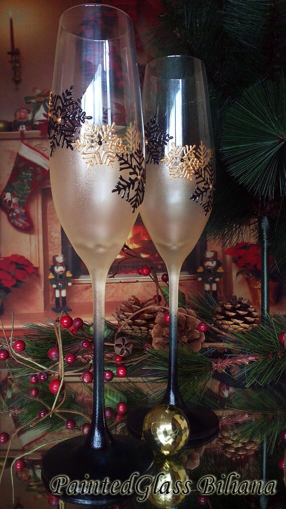 Crystal Set of 2 Winter Wedding toasting hand painted champagne flutes Snowflakes in gold and black color