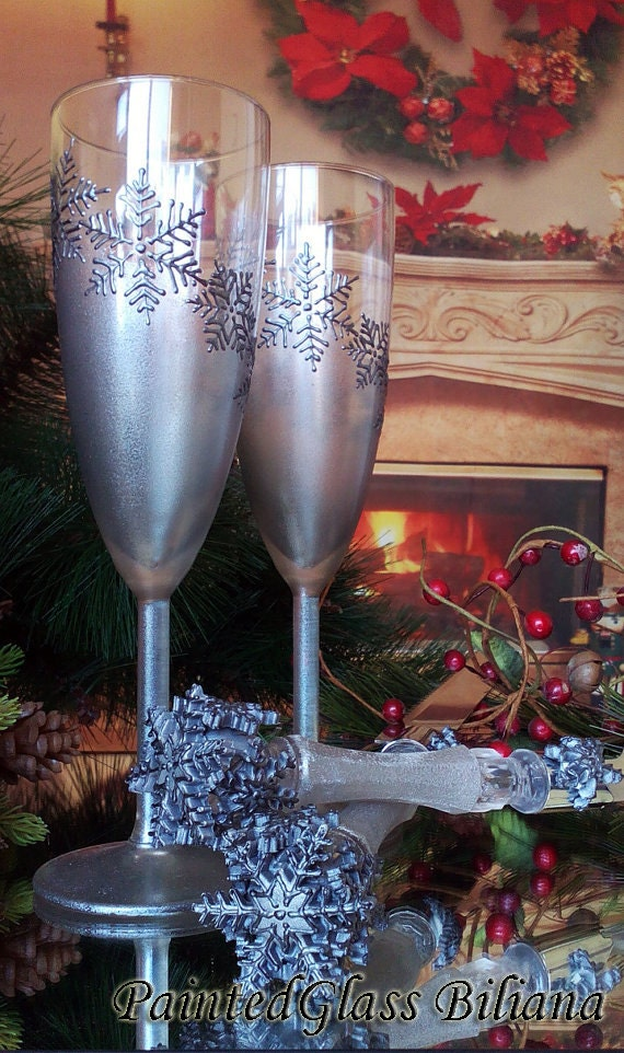 Wedding Glasses Winter Champagne Flutes Hand Painted Set of 2 Silver Snowflake wedding theme Cake serving set Snowflakes Cake server knife